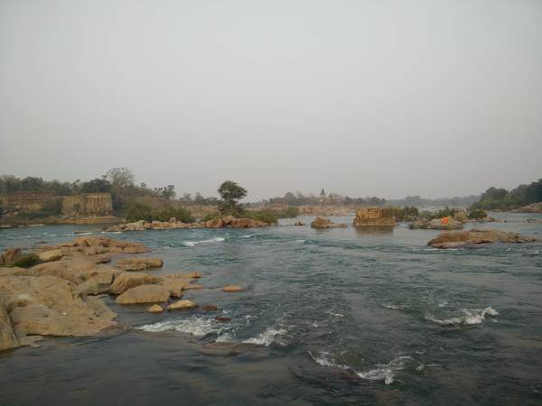 betwa river in Orchha gateways